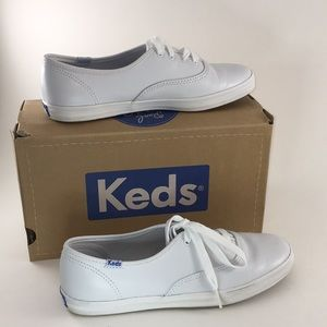 NWT Keds White Leather Champion Sneakers - Size 7